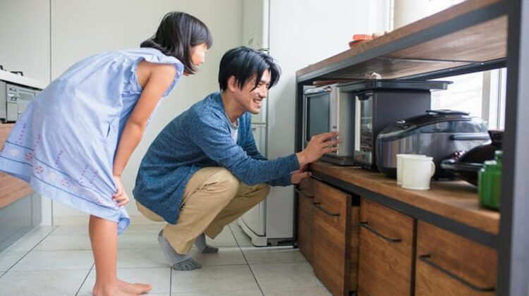 How-To-Install-Microwave-Oven