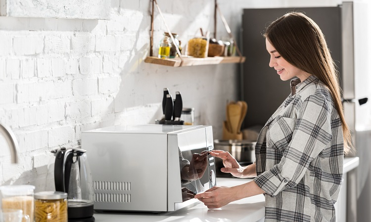 The 7 Best Microwave Ovens Of 2020