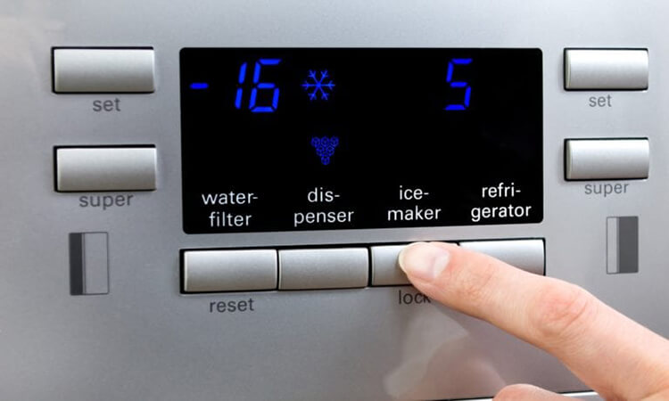 The-7-Best-Rated-Refrigerators-With-Icemakers